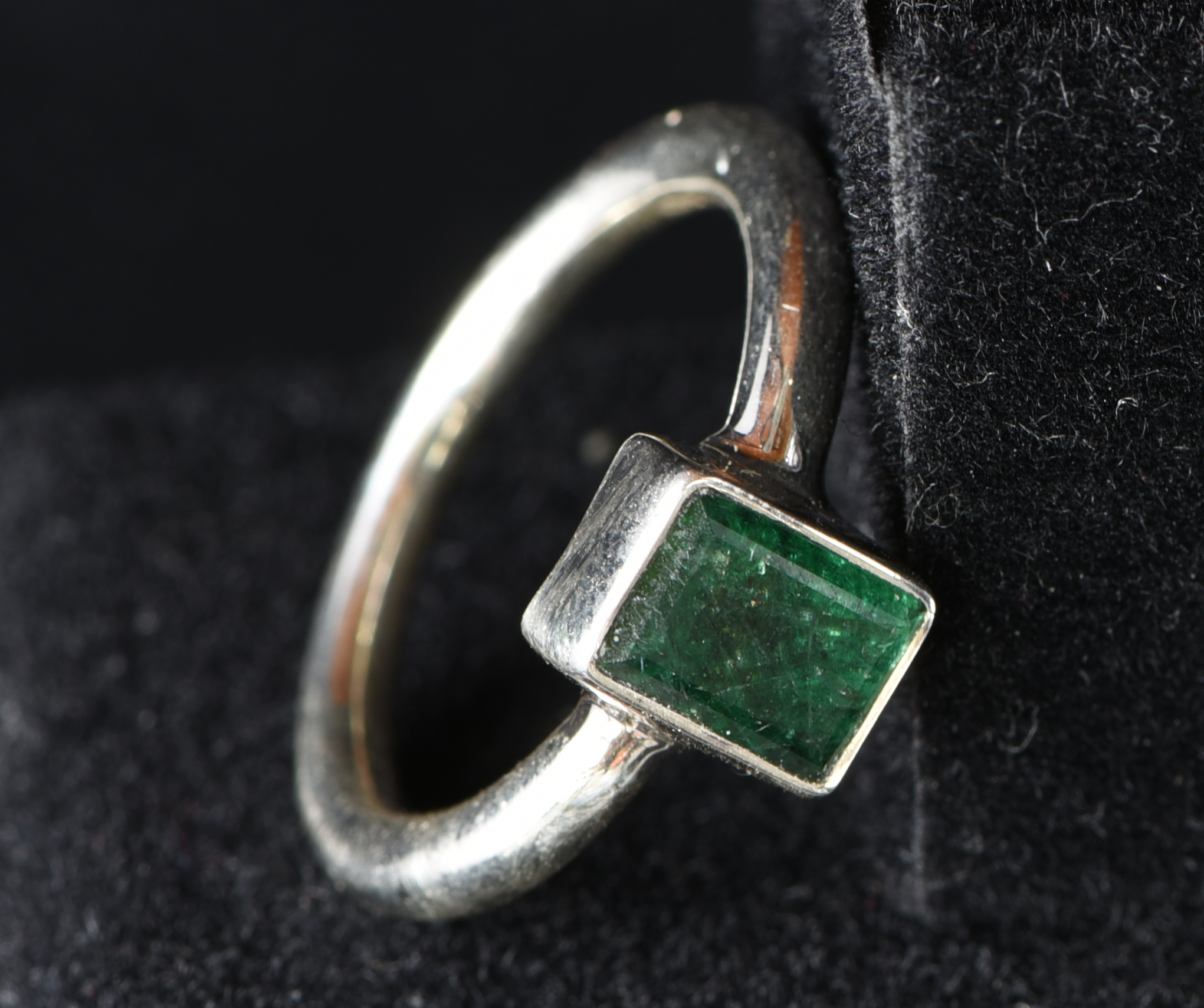 Emerald ring (Size 58)